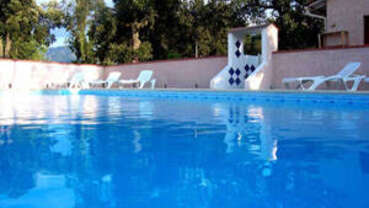 Camping La Pinede St Genis des Fontaines